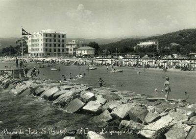 storia-spiaggia-dal-mare
